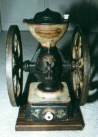 Landers, Frary & Clark #20 Cast Iron Coffee Mill