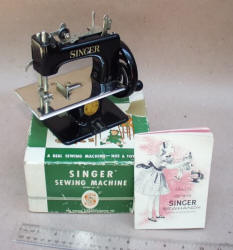 Singer SewHandy Black Toy Sewing Machine in Box
